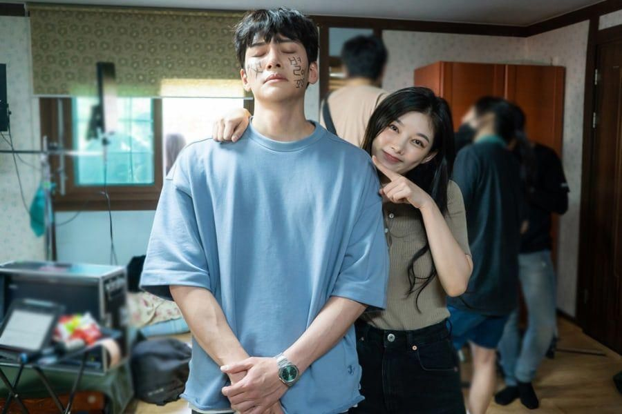 Ji Chang Wook et Kim Yoo Jung adorent jouer les idiots sur le tournage de «Backstreet Rookie»