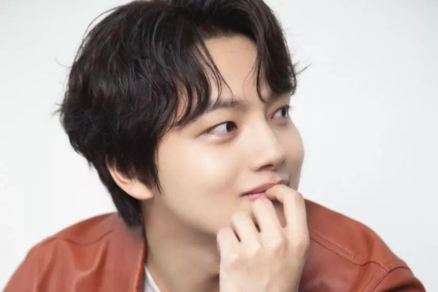 Yeo Jin Goo parle de son travail avec Shin Ha Kyun, des raisons pour lesquelles il a choisi de jouer dans «Beyond Evil», etc.